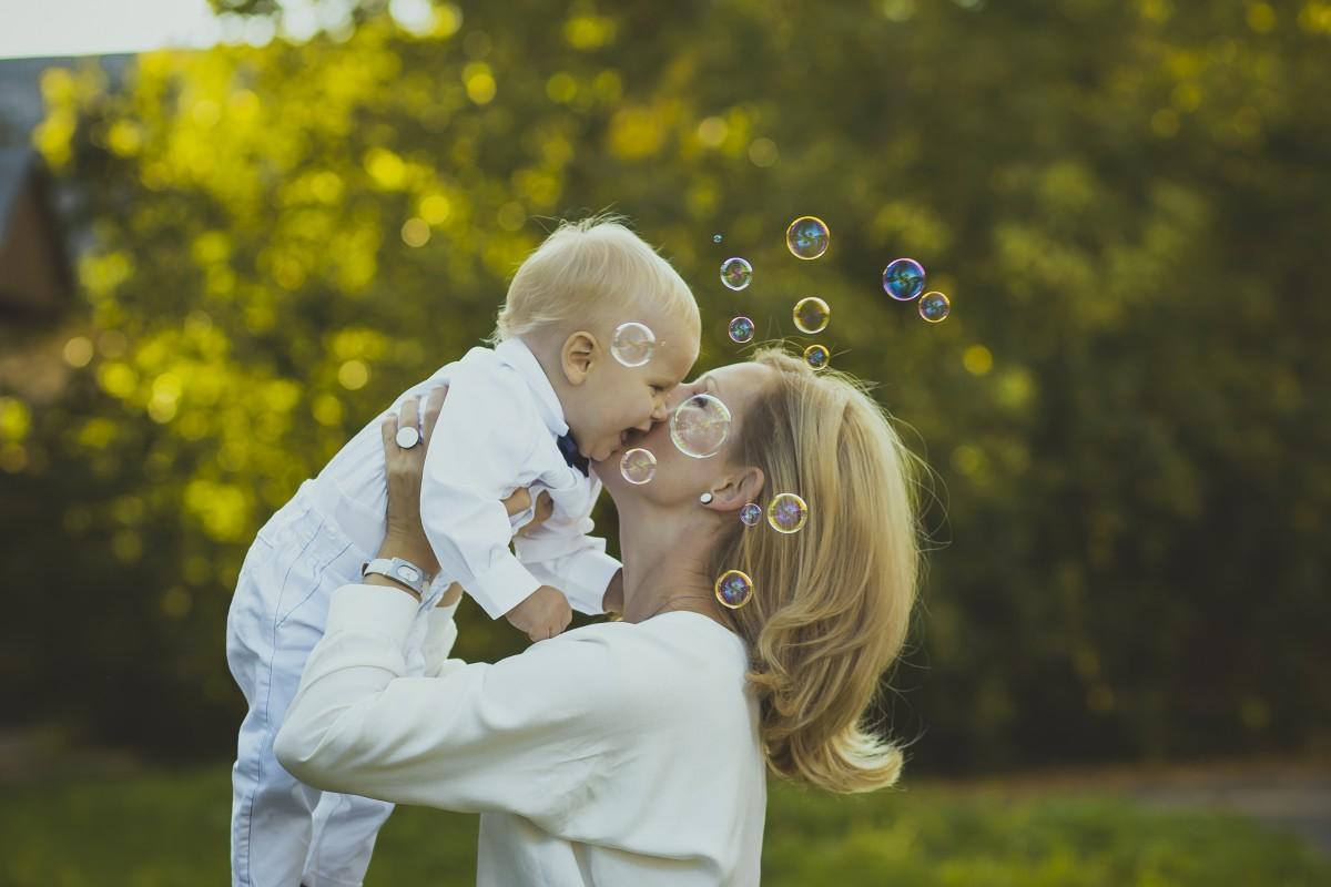 Sorties avec bébé : notre check-list pour éviter le casse-tête!