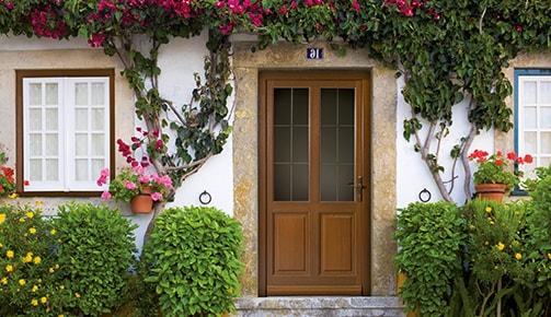 Tryba : des portes et des fenêtres installées pour longtemps !