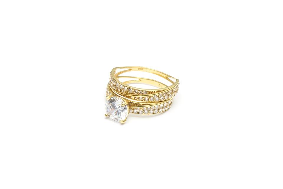 Bijoux femme et homme : vaut-il mieux de l'or ou de l'argent ?