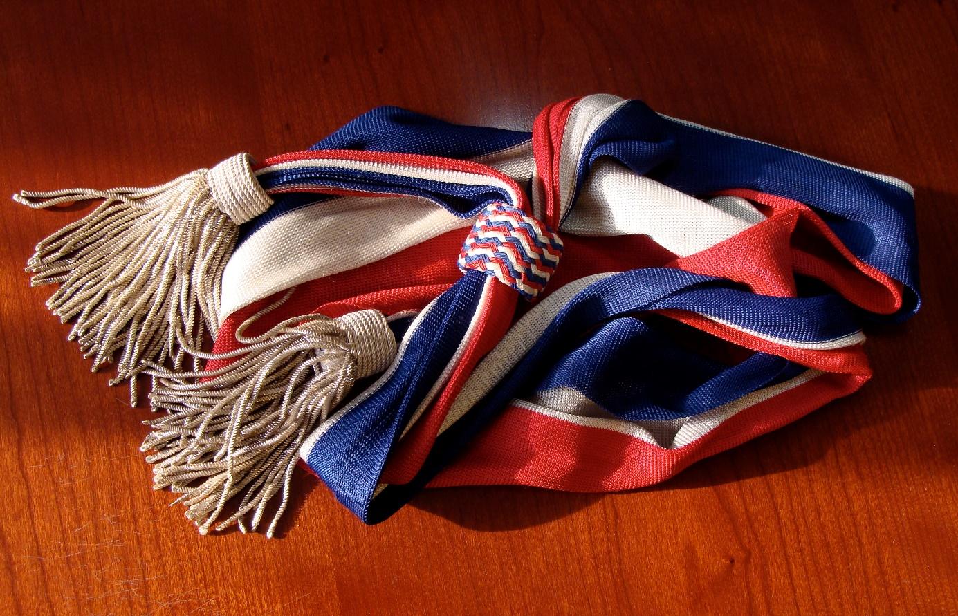 Drago Paris propose des écharpes municipales d'une qualité exceptionnelle